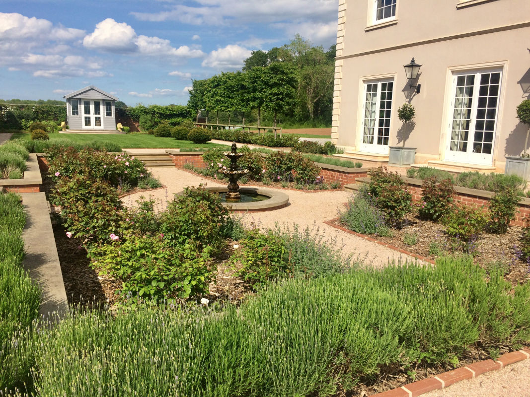Roger Webster Garden Design - New Country House