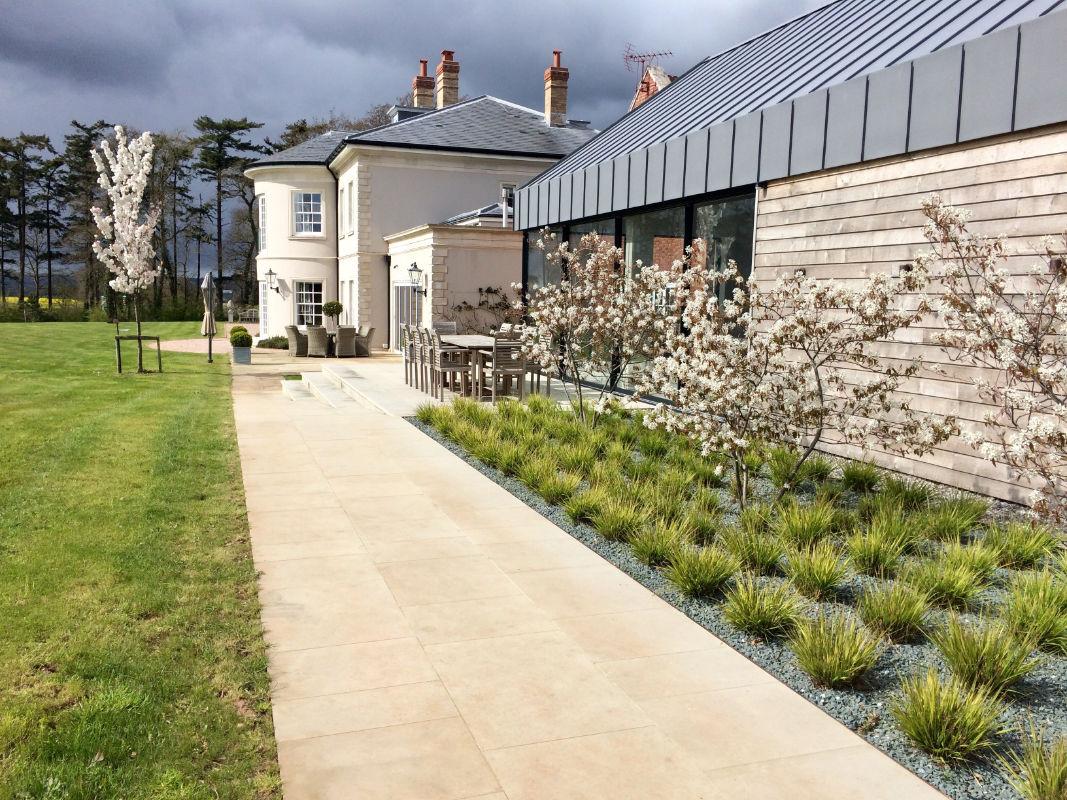 Roger Webster Garden Design - Pool Terrace