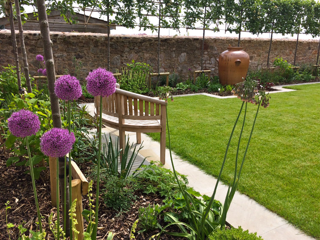 Roger Webster Garden Design - Riverside Garden